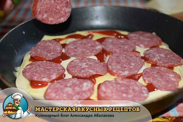 колбаса на кетчупе