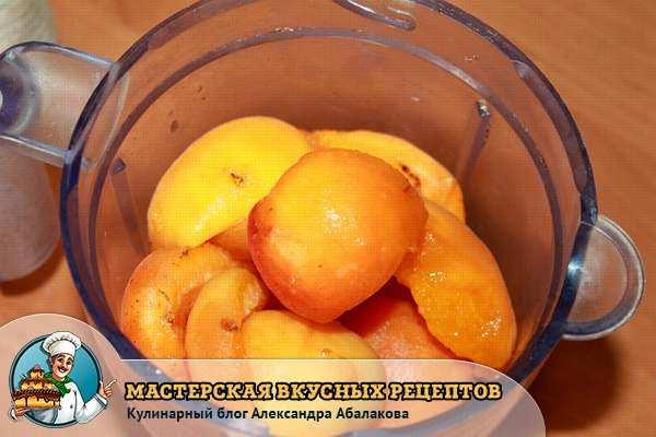 фрукты в блендере