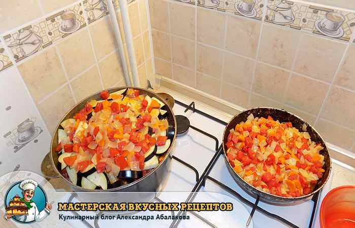 тушим баклажаны с овощами