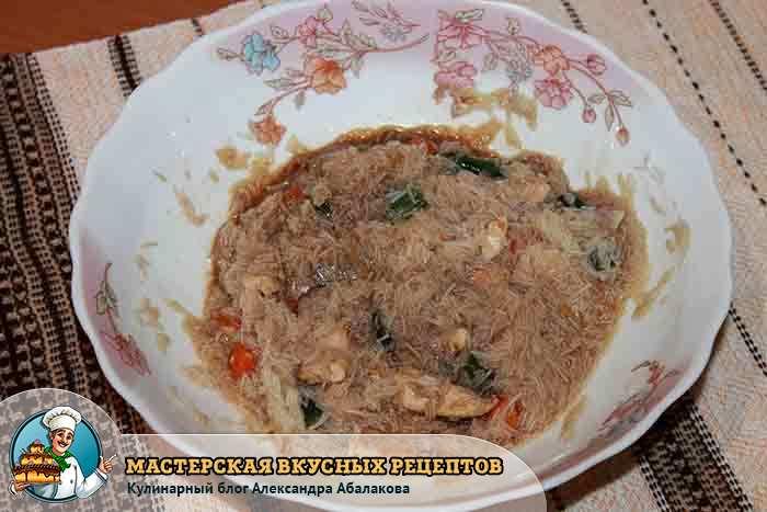 готовый азиатский салат из лапши