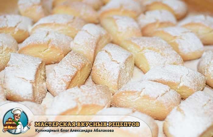 сахарная пудра не тает на печенье