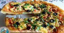 Пицца из дрожжевого теста на кефире с начинкой из ветчины, томатов и зелени