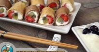 Сладкие роллы из блинчиков с фруктовой начинкой — оригинальные рецепт лакомства