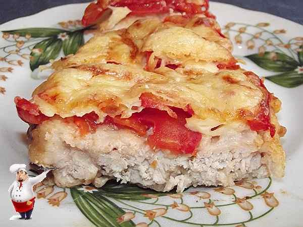 куриный шницель с помидорами и сыром