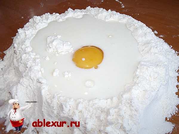 молоко с яйцом в муке