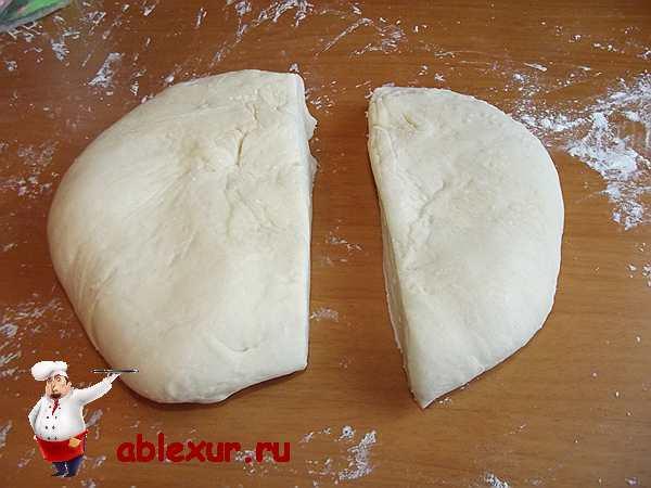 две части теста для пирога