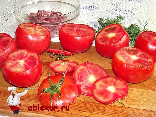 срезанные верхушки помидоров