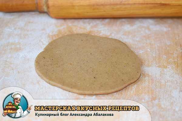лепешка из пряничного теста